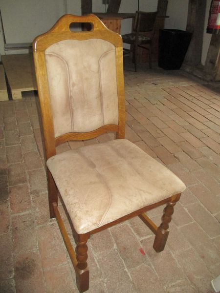 <span></span><div>6 chairs donated by Sigrid and Heinz Meyer</div>