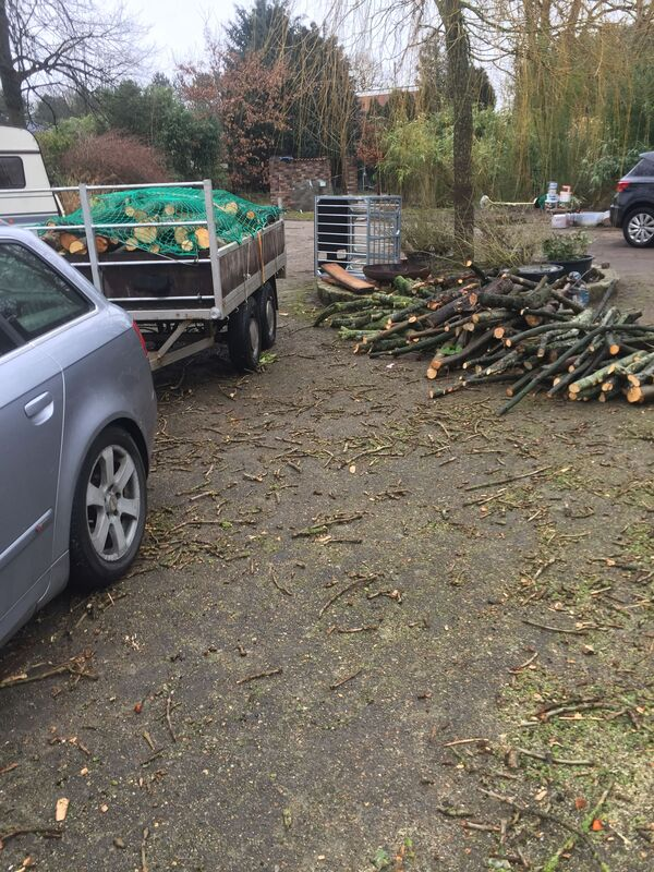 <span></span><div>Michael is donating wood - thank you Werner for bringing it</div>