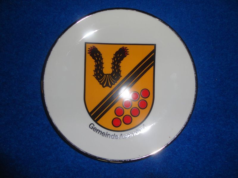 Village symbol plate - <span>donated by the mayor of Asendorf Herr Heere</span>