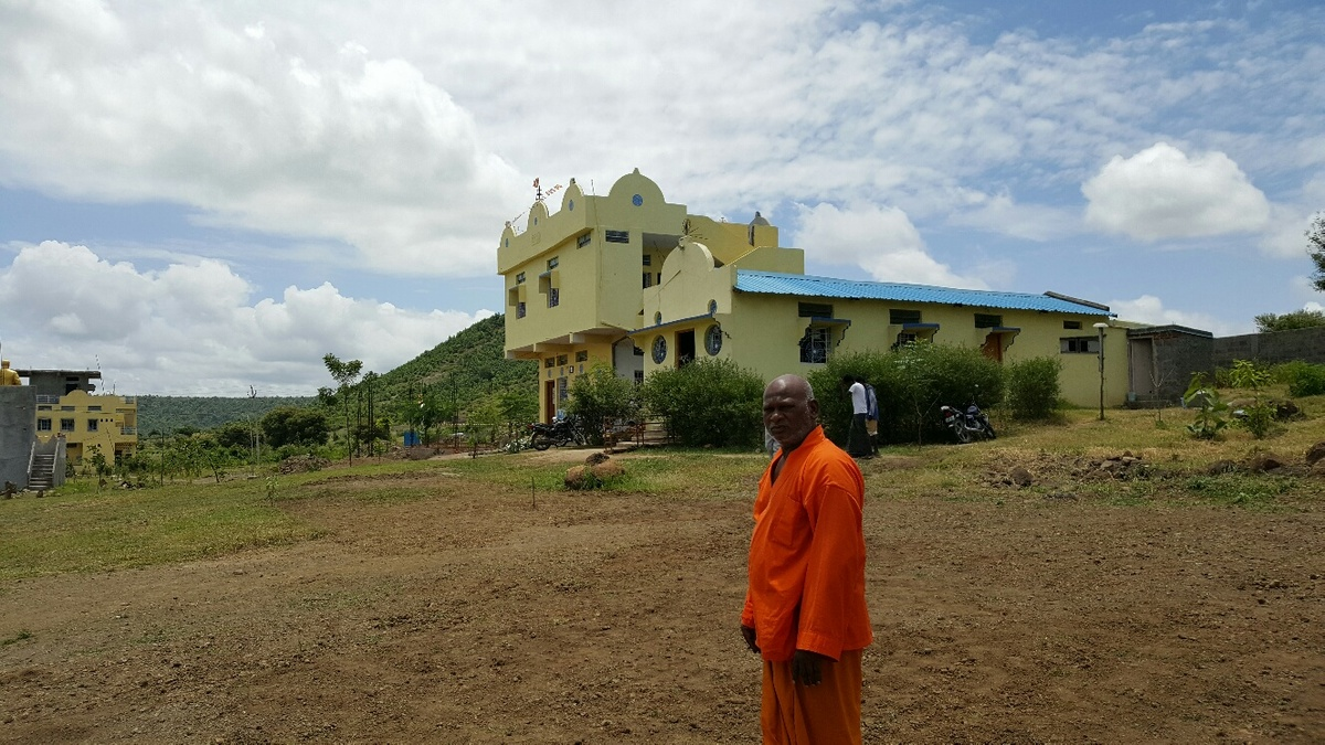 <span></span><div>Bodhidhamma standing where the future Hondo will be build</div>