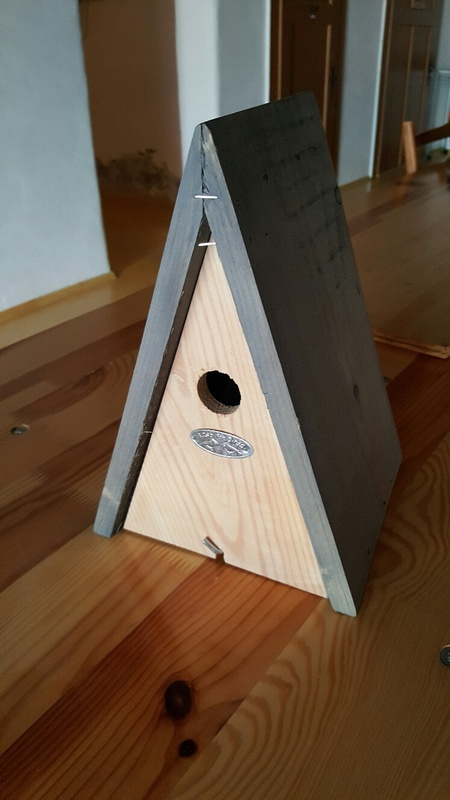 <span></span><div>Bird house donated by Guus</div>