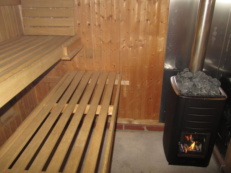 wood fired sauna  <span></span>