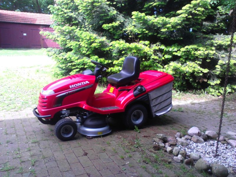 Honda Lawn mower - <span>donated by Evelin, Werner and Enen</span>