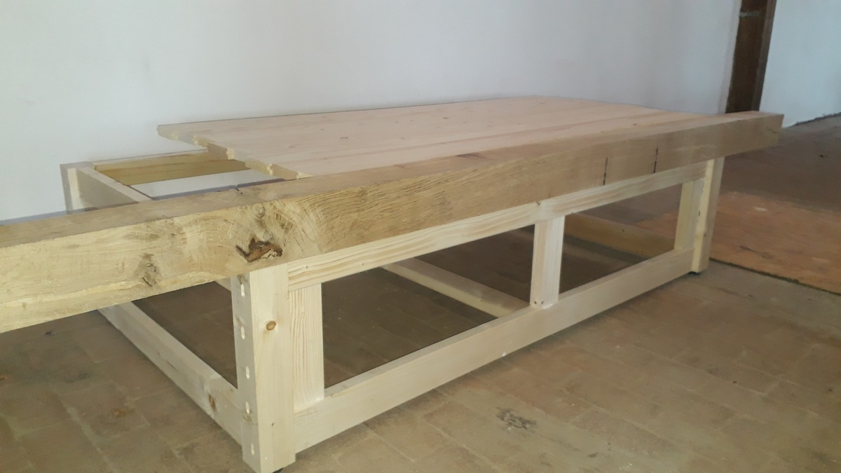 <span></span><div>The new Tan design - here with rough oak beam...</div>