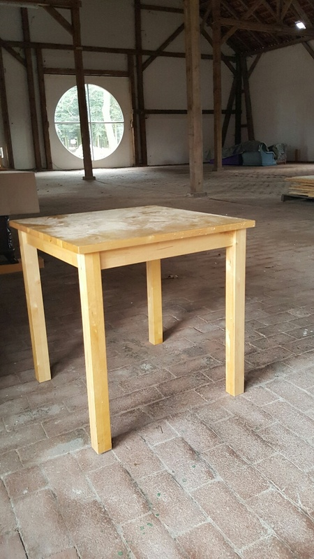 <span></span><div>Table donated by Kerstin</div>