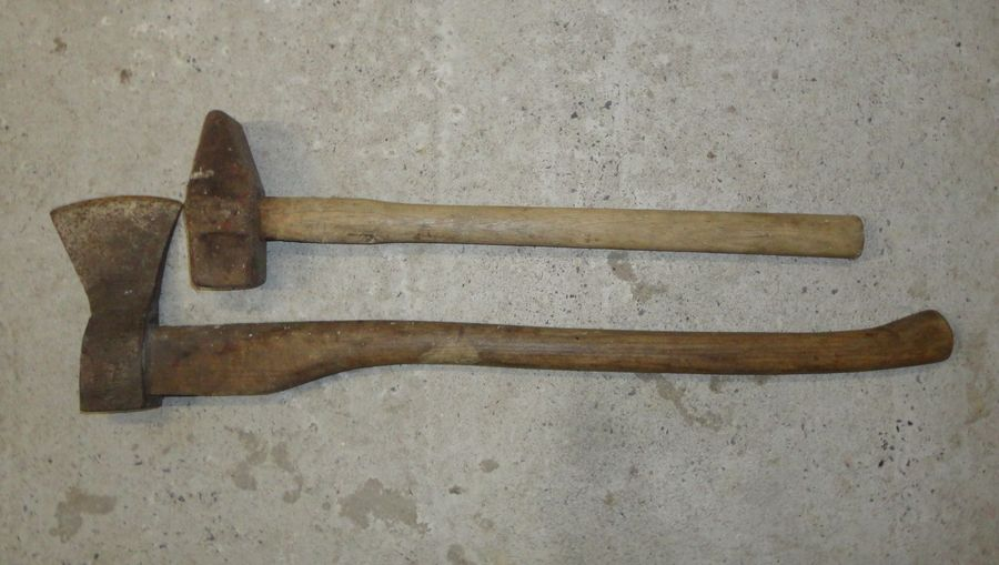 Ax and super hammer - <span>from Hanni</span>