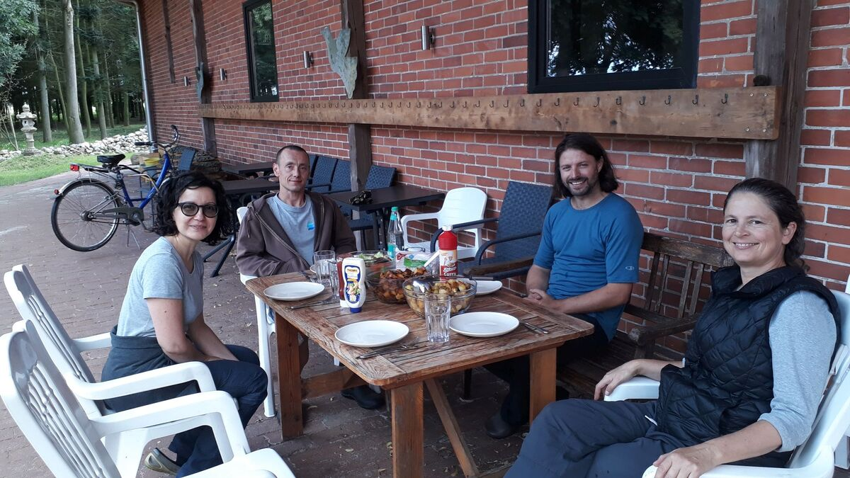 <span></span><div>Great thanks to Sozen and Jishin for being such great sangha company during the last three weeks</div>