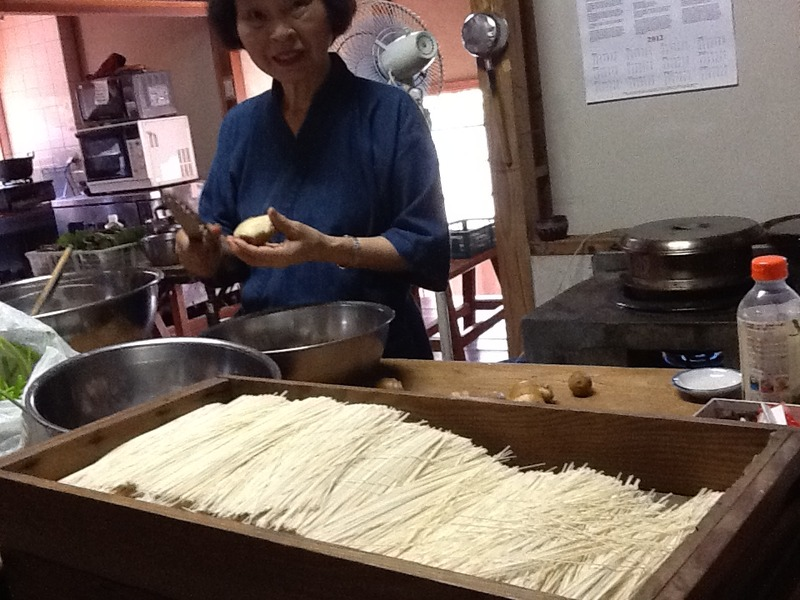 Cold noodles for everyone  <span></span>