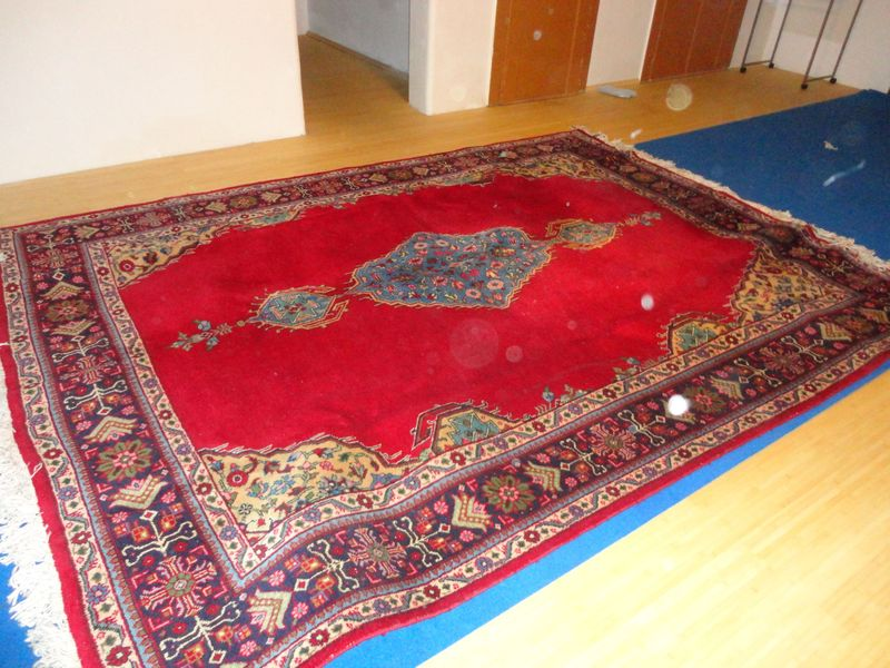 Huge beautiful carpet - <span>donated by Daniela</span>