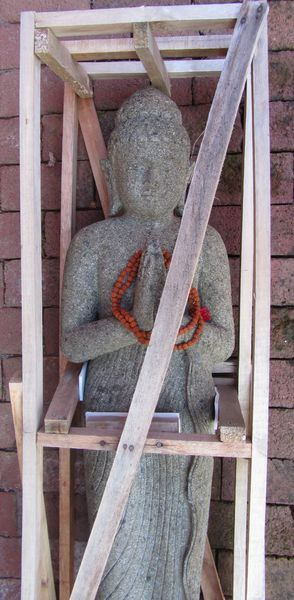 Greeting Buddha statue arrived  <span></span><div>donated by Priest Fusho</div>