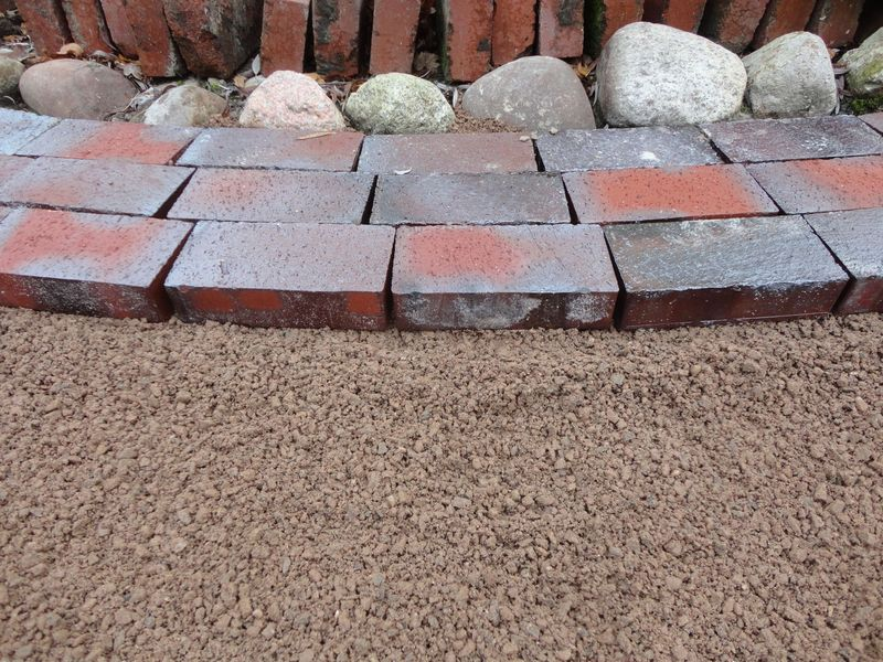 an amazing new technique - <span>to place stones into gravel not sand</span><div>Bizen Yaki Bricks :)</div>