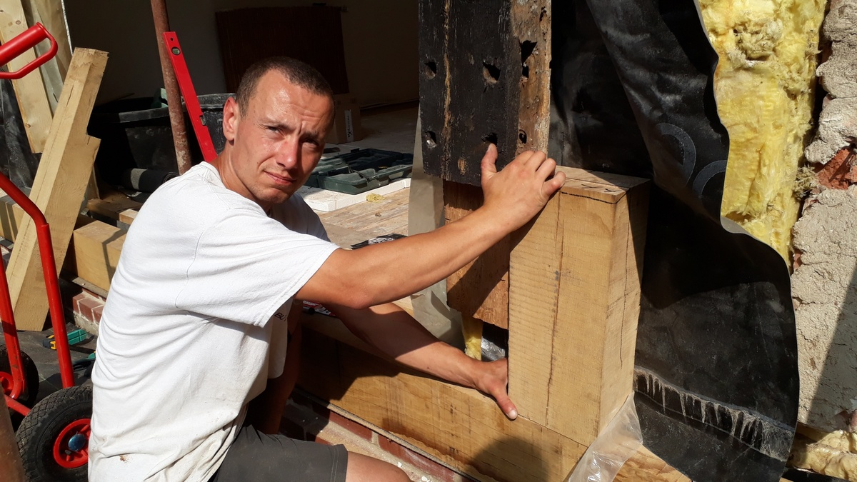 <span></span><div>Basti showing his precise wood working skills</div>