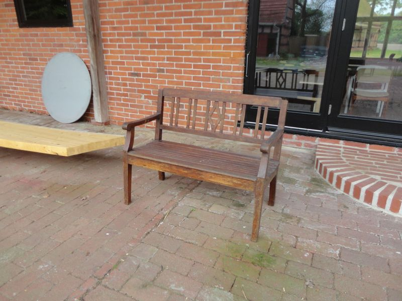 Elegant Bench - <span>from Hanni and Willi</span>